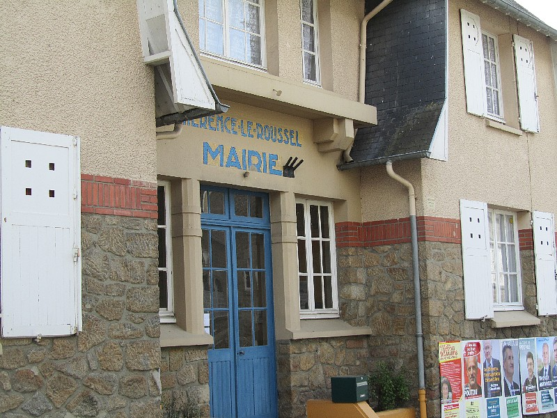 Mairie CHERENCE le Roussel